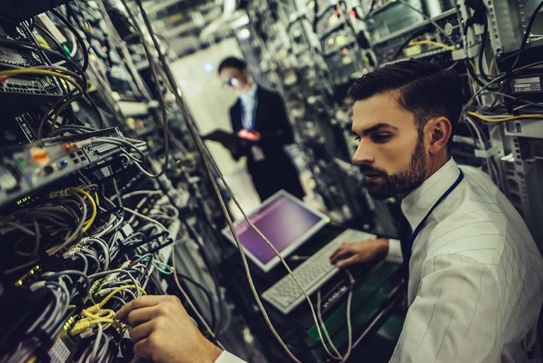 در صورتی که بخواهید در ردیف شغلی مهندس شبکه و پشتیبانی با شرکت همکاری نمایید بایستی توانایی های حرفه ای زیر را داشته باشید تا به خوبی از عهده انجام وظایف خود برآیید.